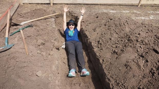 Kiki Digging.jpg