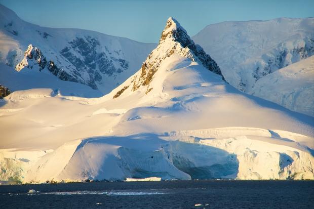 48_Iceberg
